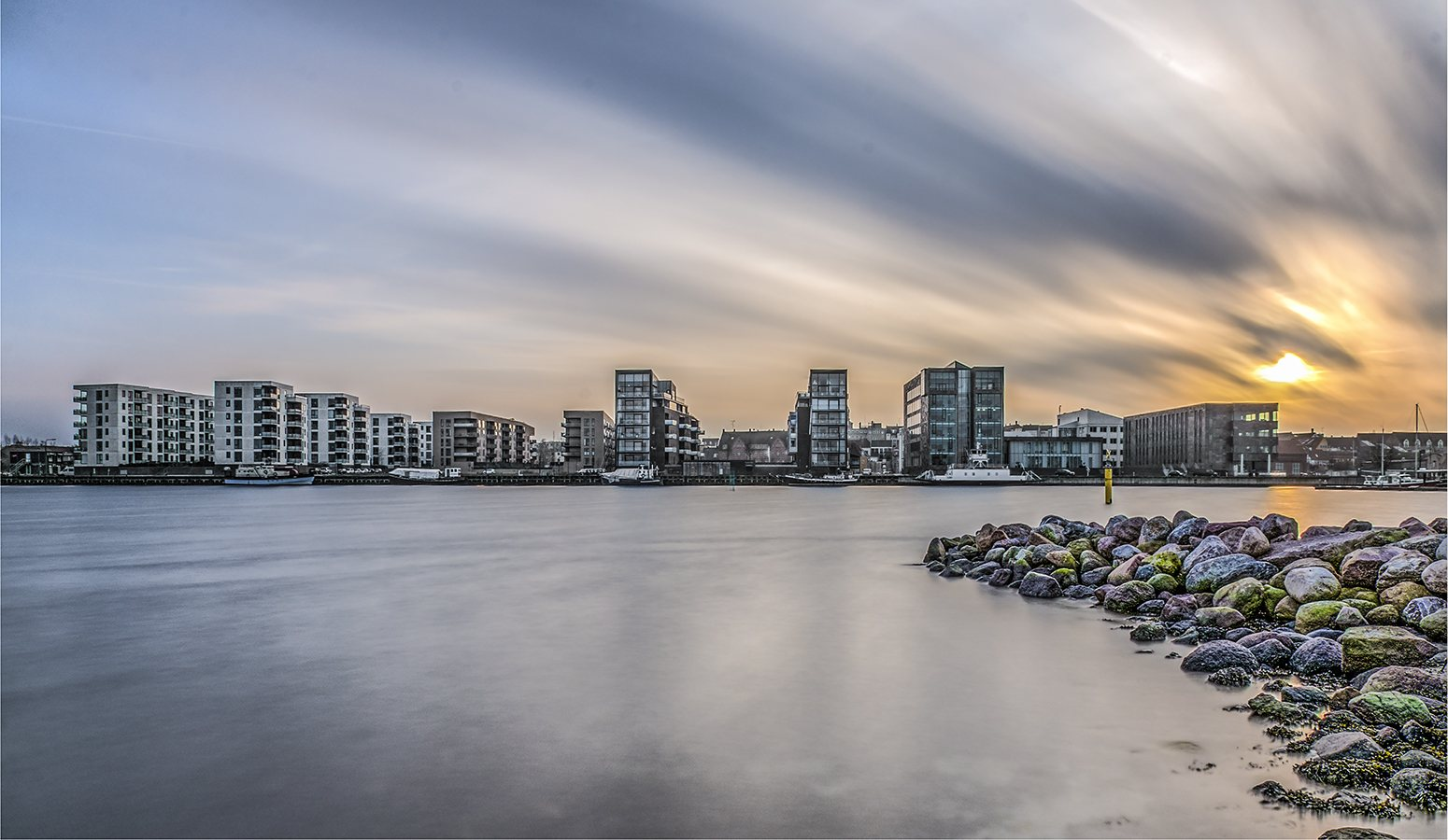 Nd filter 10 stop long exposure photography nd filter b w nd 30 1000x iso 100 f 18 1 min cityscape holbaek denmark